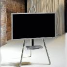 Dieses Modell Tripot Art 130 ist einer Malerstaffelei nachempfunden. Präsentieren Sie ihren Fernseher wie ein Gemälde.