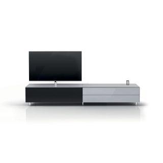 Das Modell Scala ist ein geschlossenes Lowboard mit Rundumverglasung, zur Unterbringung von Hifi und TV Geräten und einer Docking Funktion für ihr i-Phone oder i-Pad.
