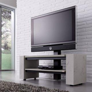 Ein TV-Möbel mit außergewöhnlicher Oberflächenstruktur in Betonoptik. Modell X-1400 von Schnepel.
