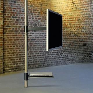 Fernsehhalter Boden Deckenstange mit Schwenkarmfunktion und DVD Board.