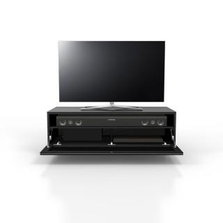 Ein Hifi-TV-Möbel. Mit Klappe, Akustikstoff. Soundbarintegration möglich. Sichtbare Flächen verglast. Modell JRL 1101 von Just Racks.