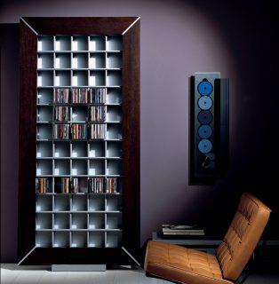 Ein Wandregal für CD-DVD Aufbewahrung. Wer es ein wenig extravagant haben will. Modell Frame 214 von Vismara.