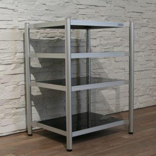 Ein Hifi Rack, 62 x (gewünschte Höhe) x 50 cm (BxT), Rahmen aus Aluminium, Böden aus Glas und höhenverstellbar. Extrem vibrationsarm. Modell Alu Line von Creaktiv..