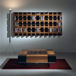 Eine klassische CD-DVD Aufbewahrung. Wandhängendes Regal mit edlem Design. Verschiedene Ausführungen. Modell TEN von Vismara.