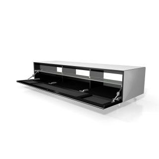 Ein TV-Lowboard mit stoffbespannter Klappe. Im Innenraum genügend Platz für Audiogeräte.