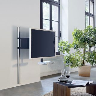 TV Wandhalter mit Schwenkarmfunktion und verdeckter Kabelführung. Modell Solution Art 123 von Wissmann Raumobjekte.