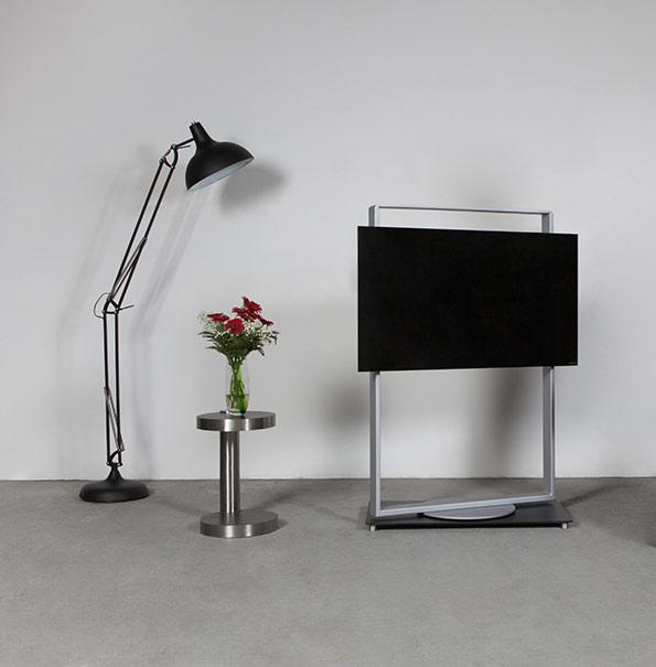 Wissmann Raumojekte Frame art 146, 200° drehbar auf Grundplatte. Verdeckte Kabelführung, Raumobjekt; TV Rack, TV Moebel, TV Halter,
