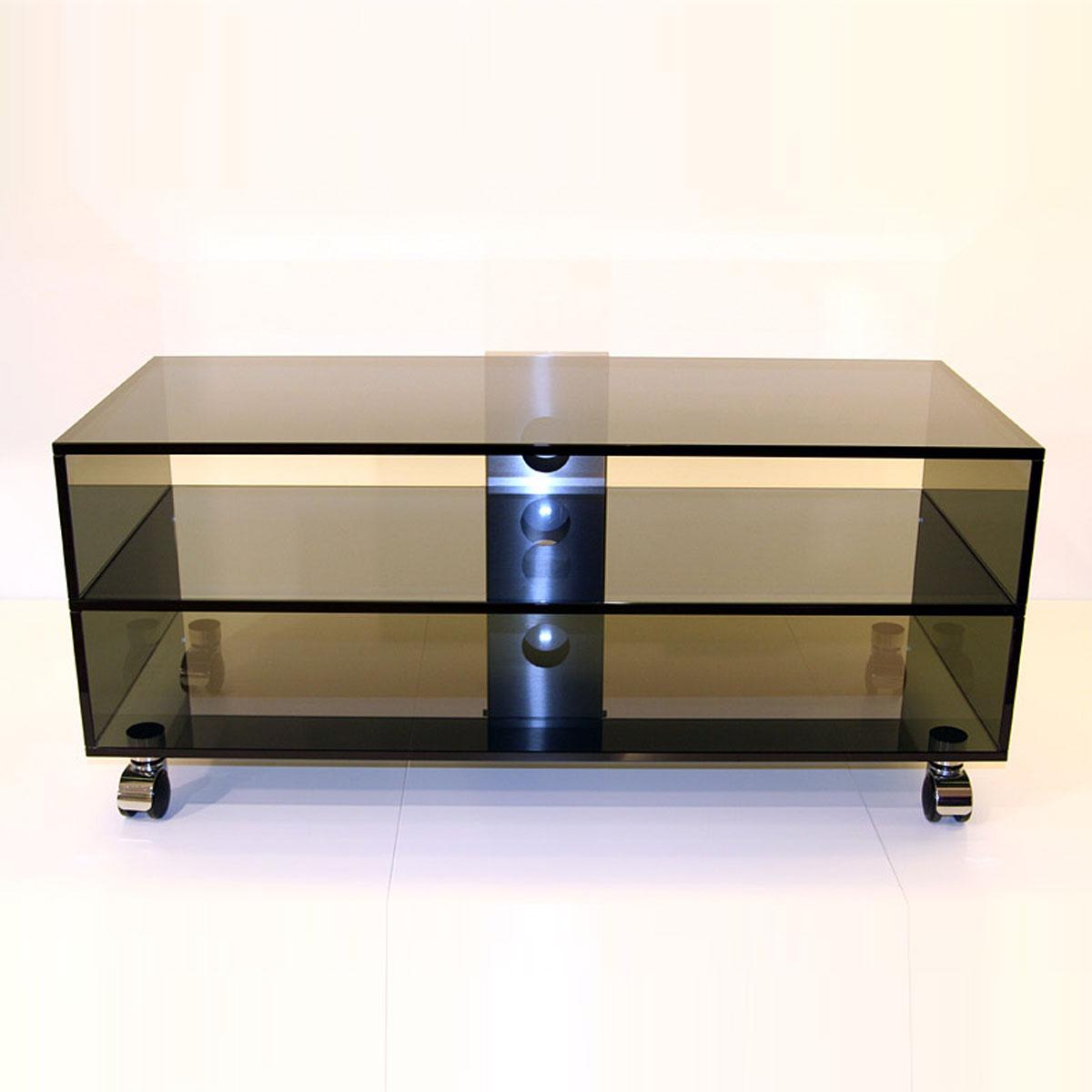 Ein rollbares Hifi TV Glasmöbel zur Unterbringung ihrer Audio und ihrem Fernsehgerät. 2 Ablagefächer. Mit Kabelkanal. Sondermaße möglich. Modell Mid Roll 2 Stock von Glass Concept.