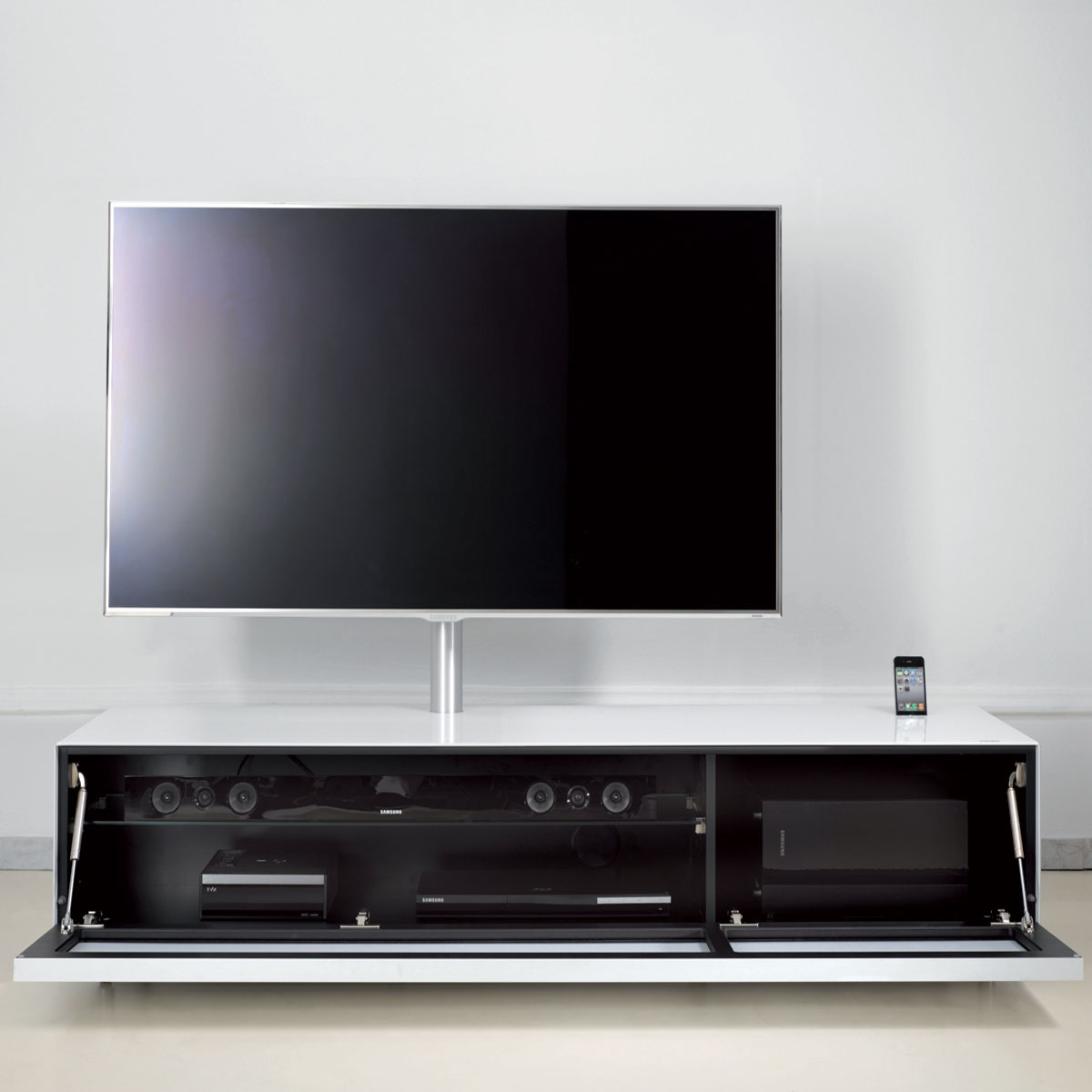 dreams4home tv media element fior mit soundsystem wei schwarz lowboard tv schrank media. Black Bedroom Furniture Sets. Home Design Ideas