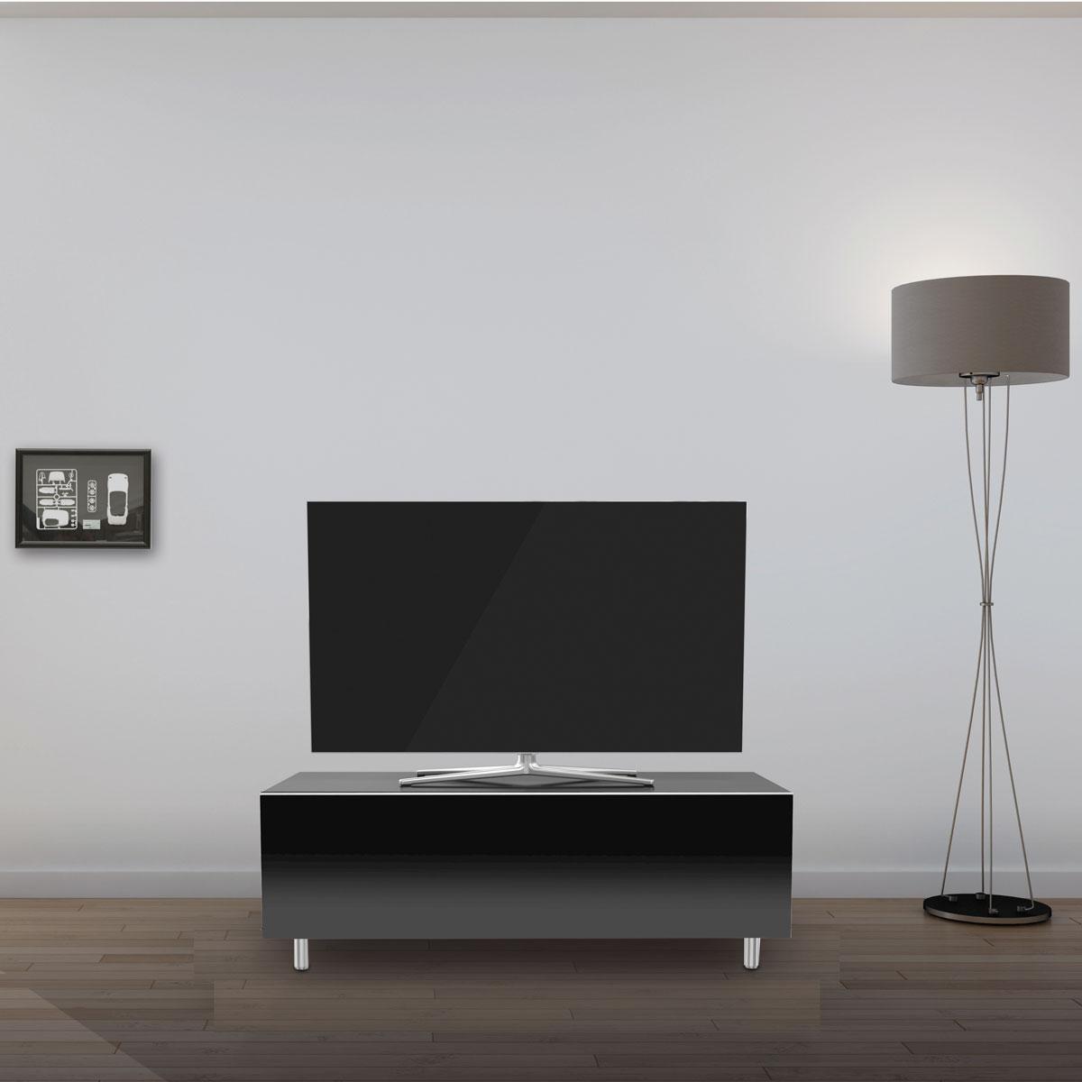 Geschlossenes TV Lowboard mit Klappe. Mit rundumverglasung. Stabil und kratzfest. Zwei innenliegende Fächer. Einlegeböden aus Glas. Modell JRL 1100 von Just Racks.