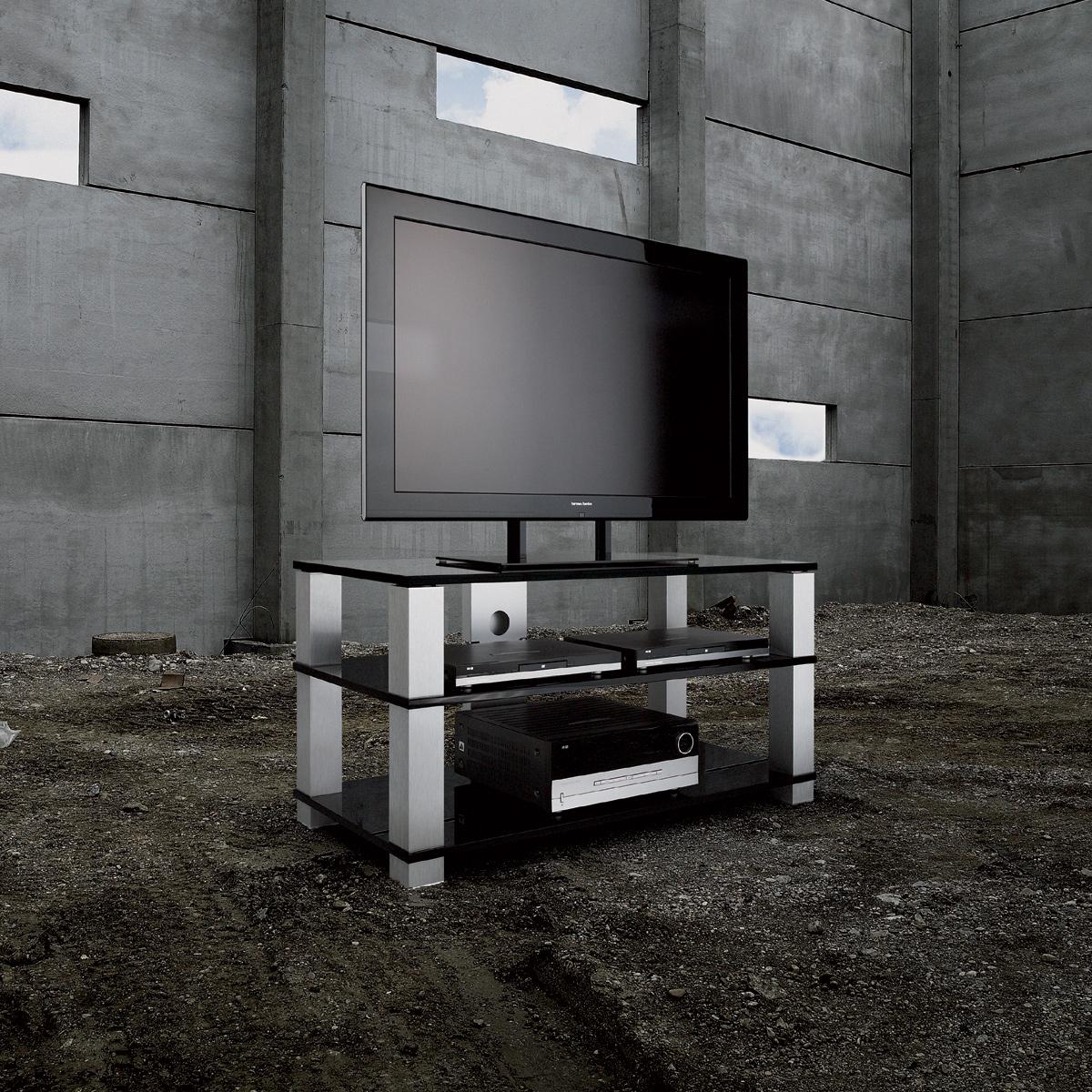 Ein Fernsehboard mit 3 Glasböden. Mit Kabelkanal und verstellbaren Spikes. Eckige Trägersäulen aus Aluminium. Modell High End HE 1203 von Spectral.