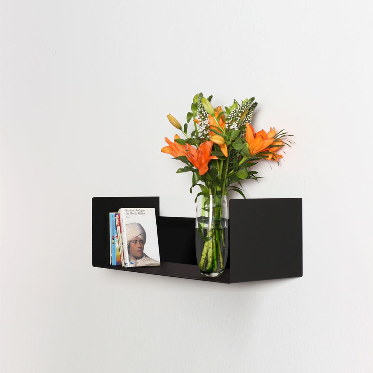 Designer Wandregal zur Unterbringung von Accessories, CD`s, DVD`s, Bücher und Bluray`s. Modell Wall Art 598 von Wissmann Raumobjekte.